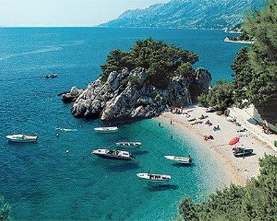 brela berulia beach croatia
